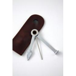 1T. Atacapipas de metal con 3 accesorios y funda de cuero