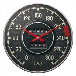 3T. «Mercedes-Benz» Wall clock Ø 31 cm.